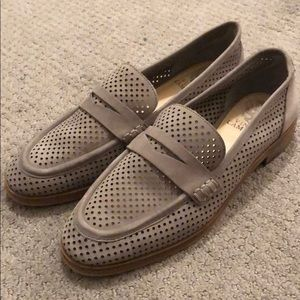 Brand new Vince Camuto perforated loafers